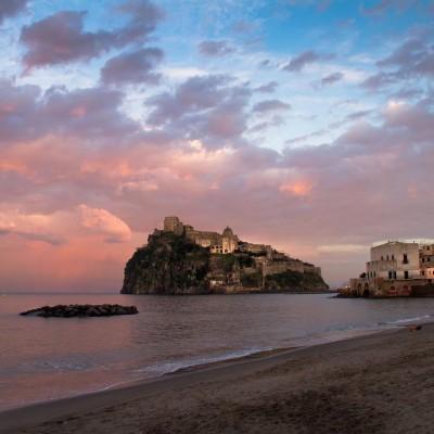 Castello Aragonese al tramonto