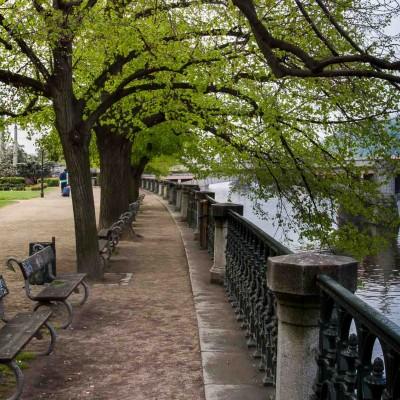 Praga, passeggiata lungo il fiume