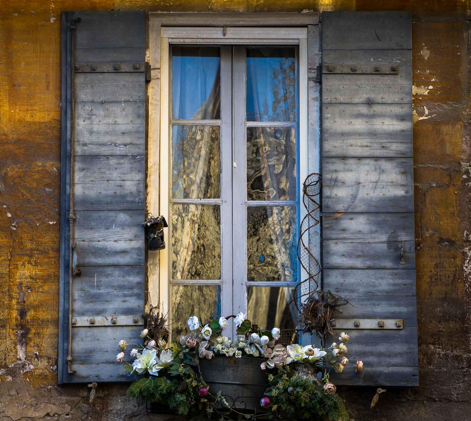finestra con riflessi