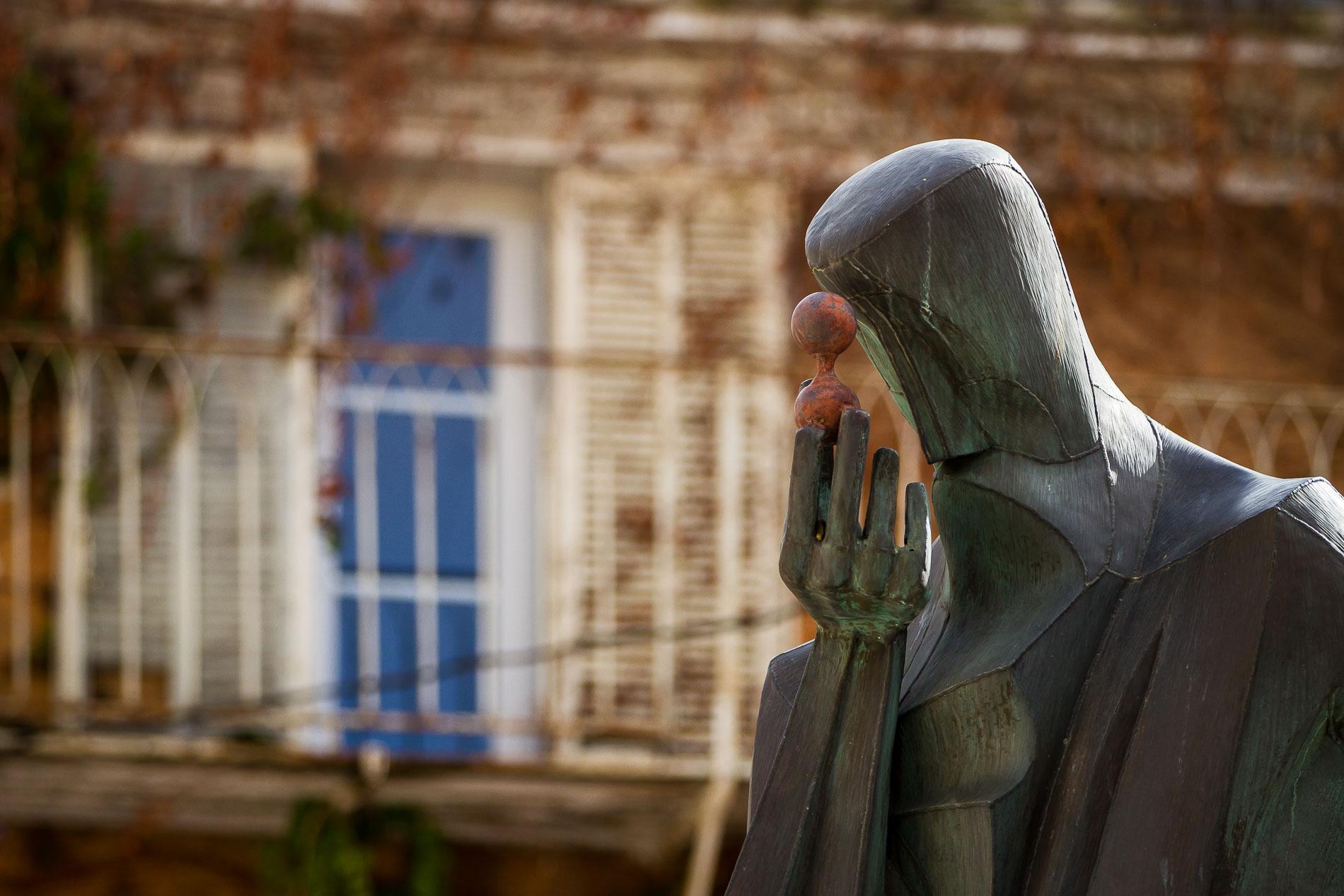 Salon-de-Provence, statua di Nostradamus