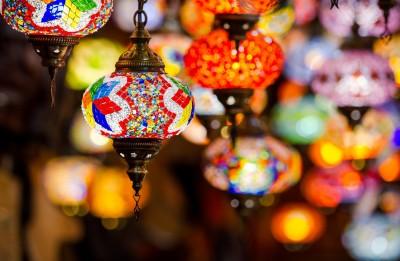 Granada, negozio con lampade arabe