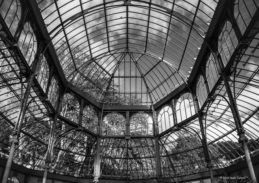 Il palazzo di vetro al Parque del Retiro, Madrid.
