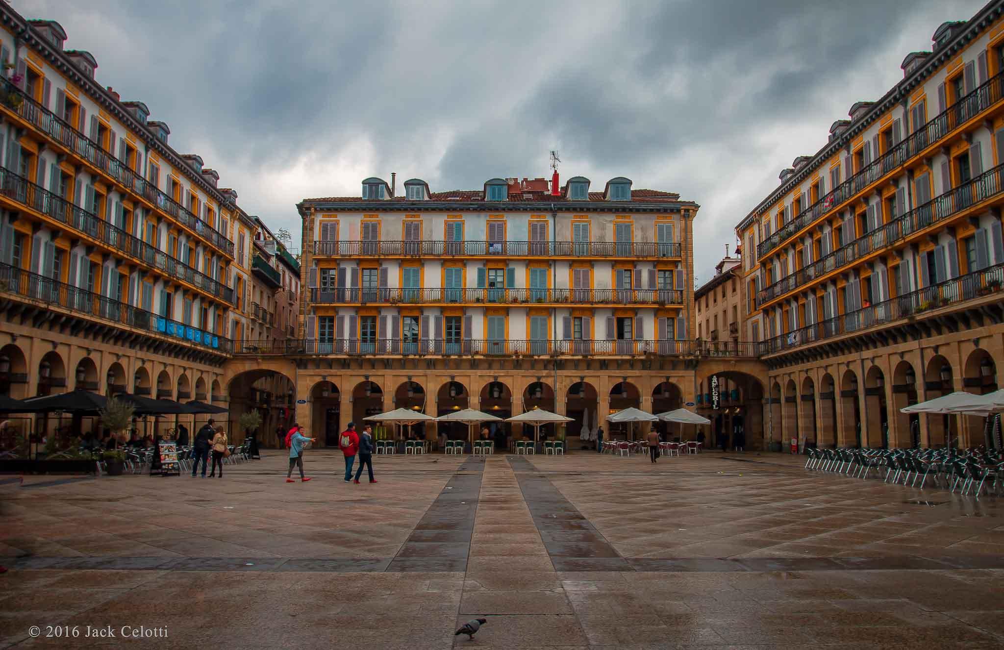 Donostia-San Sebastián, Plaza de la Constitución